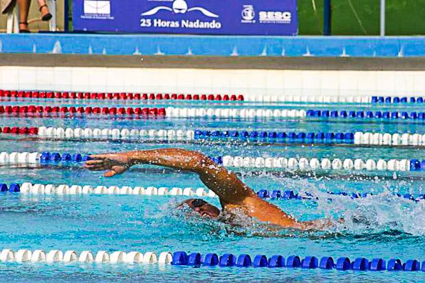 25horas nadando