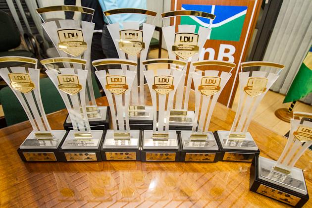 97dd03c80743e Troféus de conquistas recentes dos esportes de representação da UnB estarão  em mostra esportiva organizada pela DEL DAC. Foto  Beto Monteiro Secom UnB
